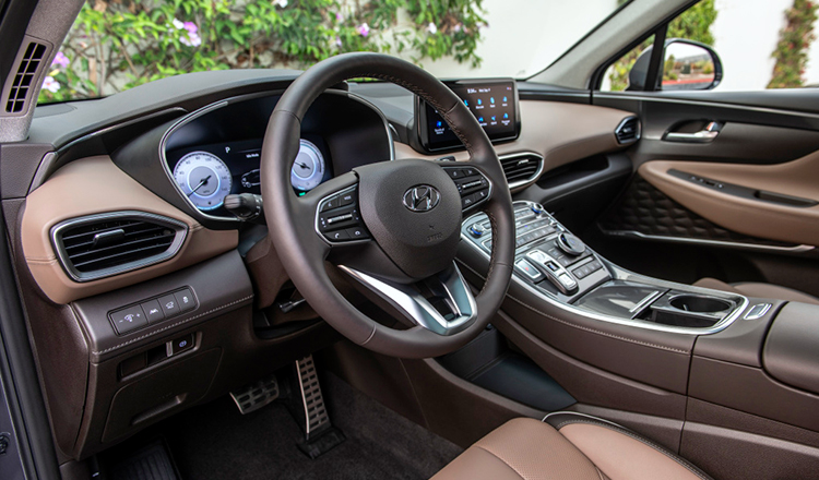Итерьер Hyundai Santa Fe