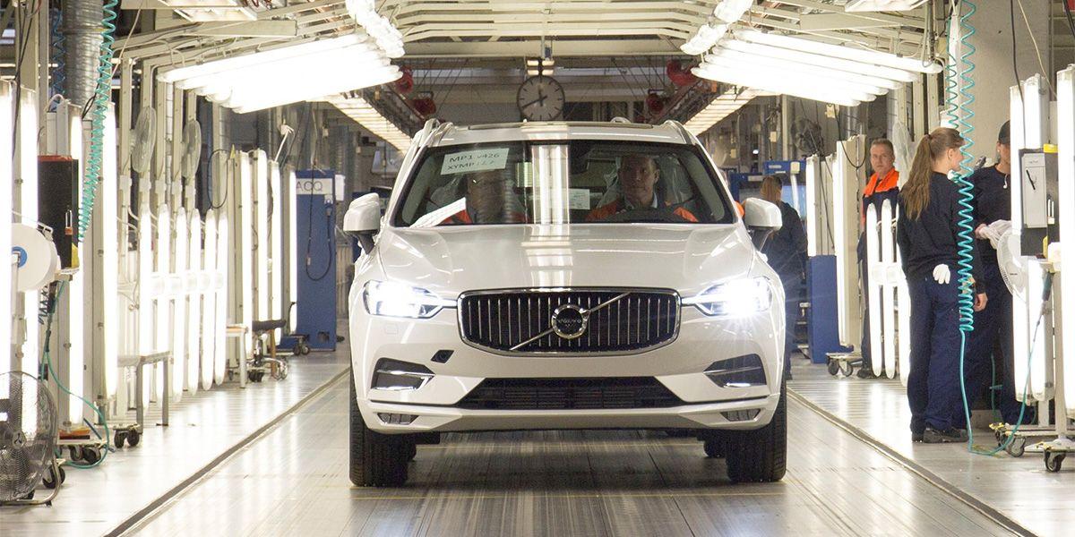 Первые Volvo XC60 нового поколения сошли с конвейера завода Торсланда