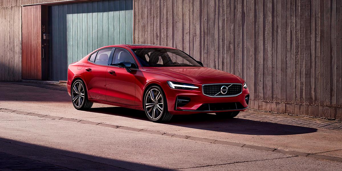 Volvo S60 и V60 получили максимальную оценку безопасности в тестах Euro NCAP