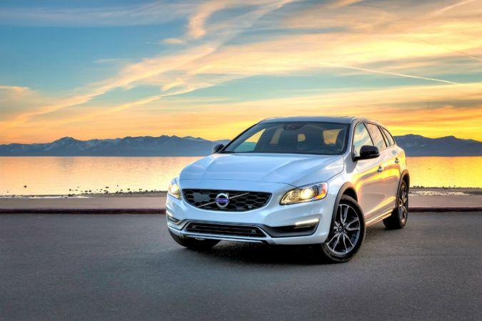 Volvo Cars представляет в Женеве новый V60 D5 Twin Engine Special Edition