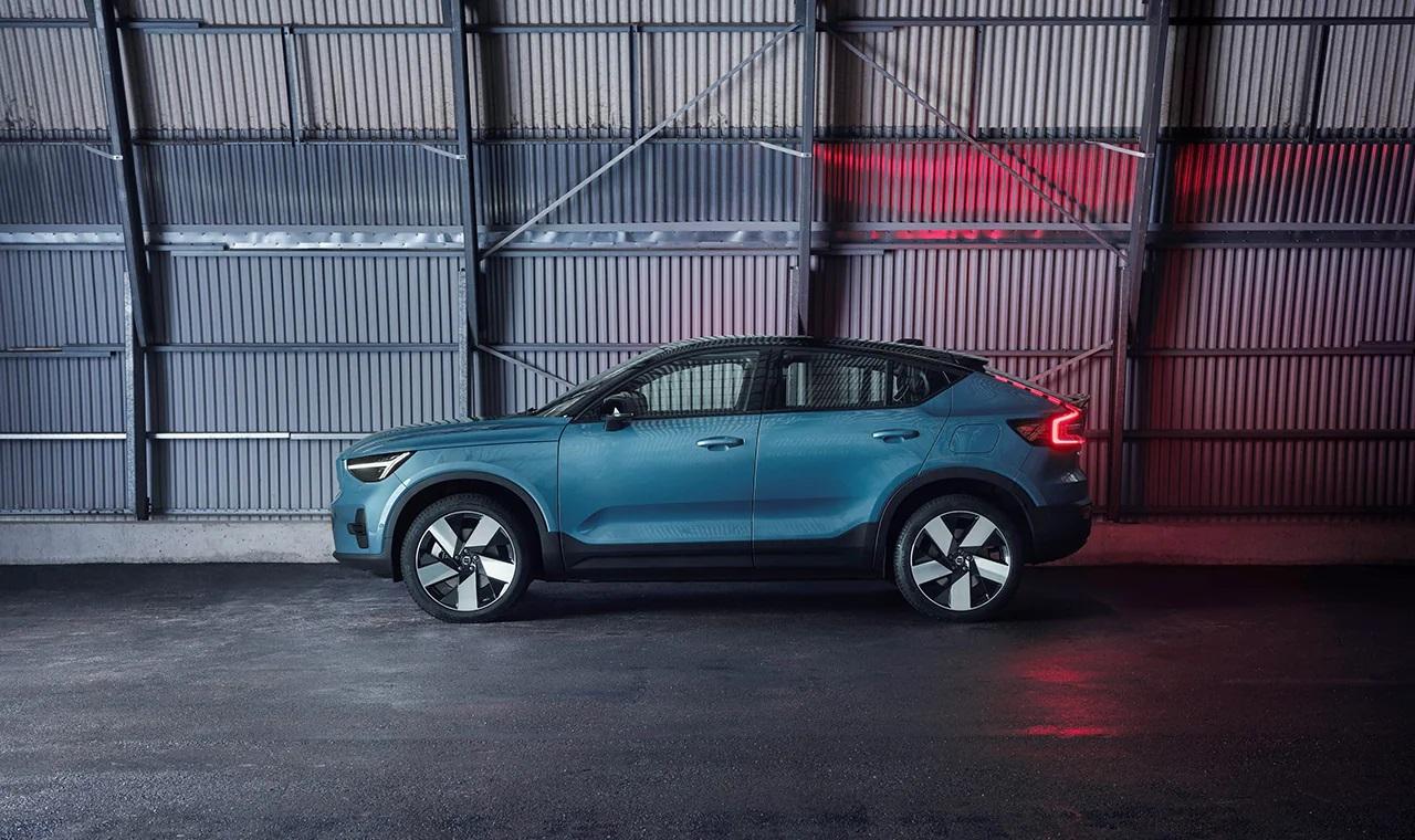 Volvo Cars представляет новый полностью электрический Volvo C40 Recharge