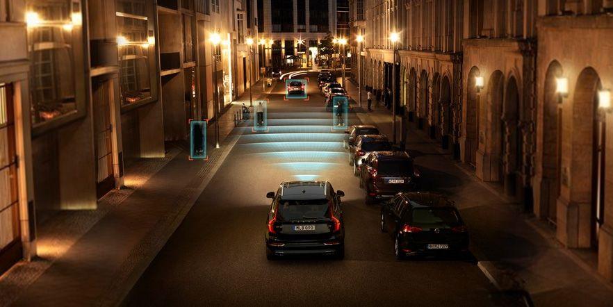 Исследование IIHS: технологии Volvo Cars City Safety снижают ДТП, связанные с наездом на впереди идущий автомобиль, на 41%, телесные повреждения - на 48%