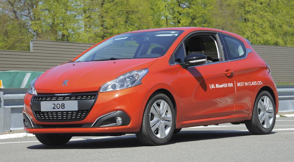 Peugeot 208 бьет рекорд экономичности