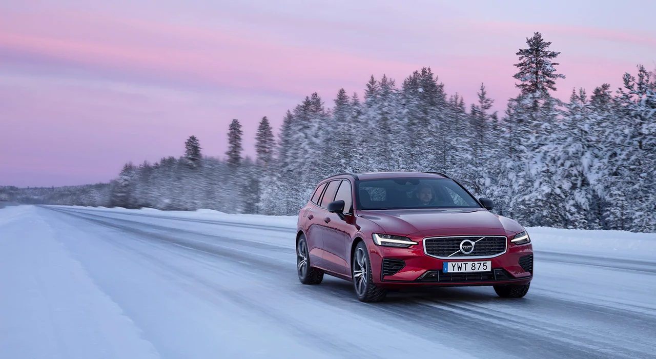 Volvo Cars сообщает о рекордных мировых продажах во втором полугодии и росте продаж в России в четвертом квартале 2020 года на фоне восстановления после пандемии